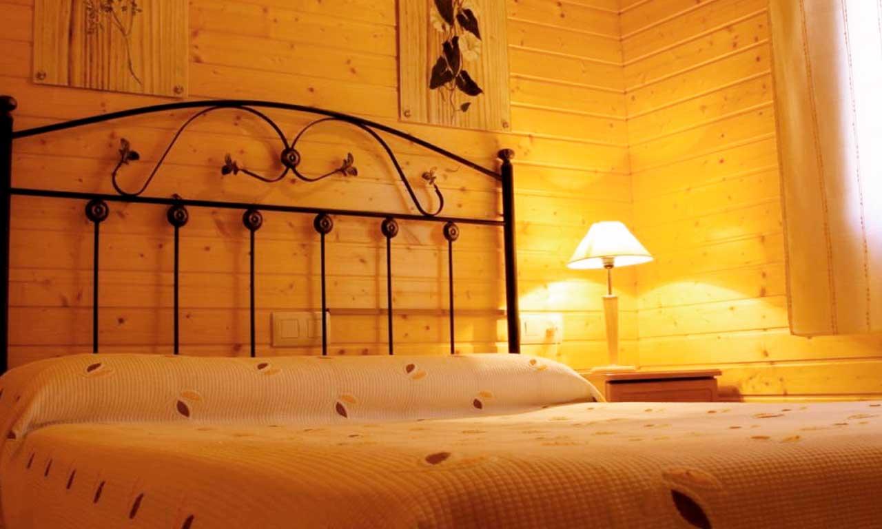 habitacion-matrimonio-cabana-madera