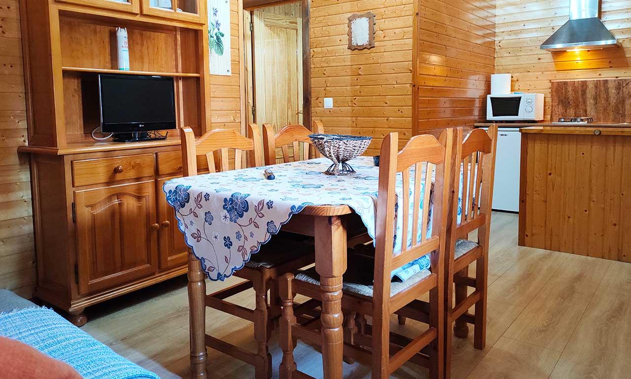 salon-cocina-casa-rural